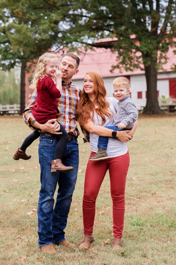 Family Photos at Allandale Mansion Kingsport TN