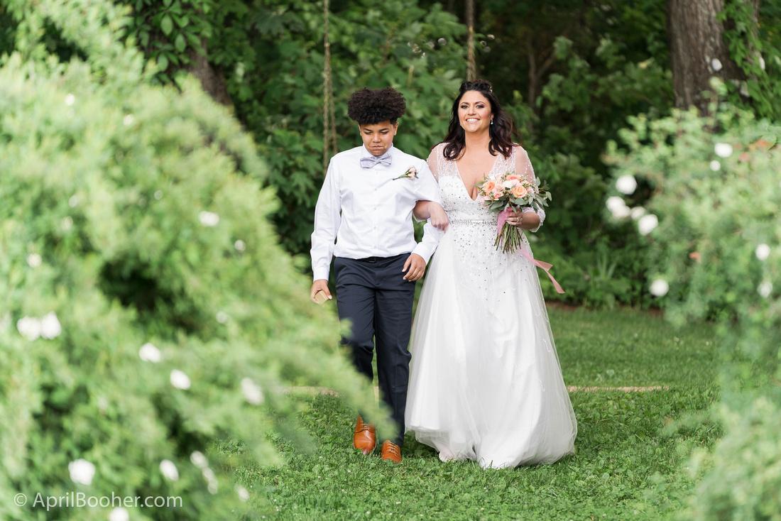 Wedding Photographer at Storybrook Farm Jonesborough TN-21