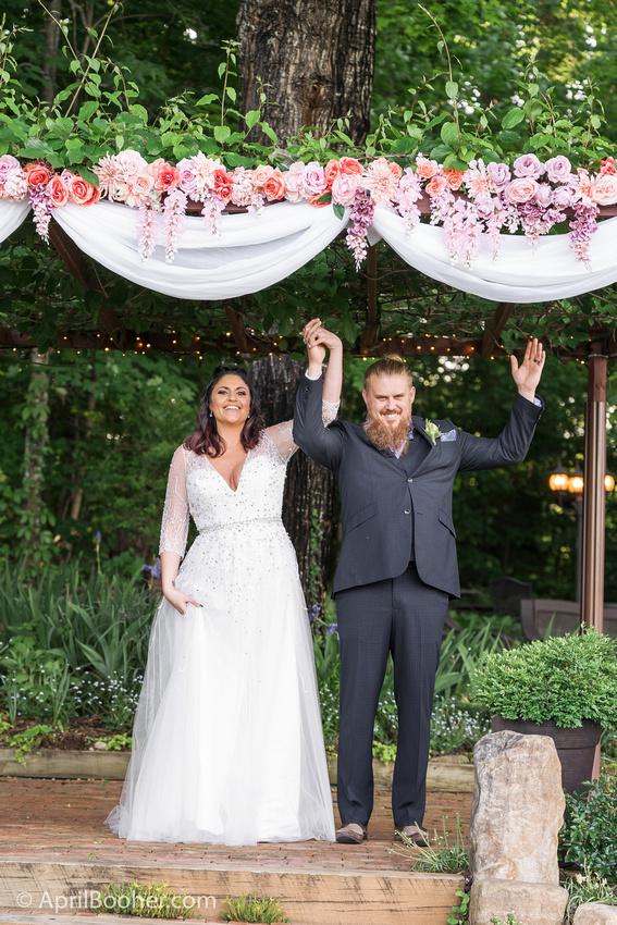 Wedding Photographer at Storybrook Farm Jonesborough TN-32