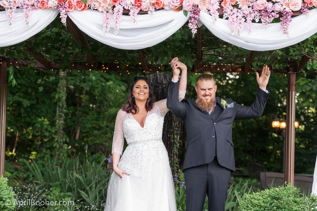 Wedding Photographer at Storybrook Farm Jonesborough TN-33