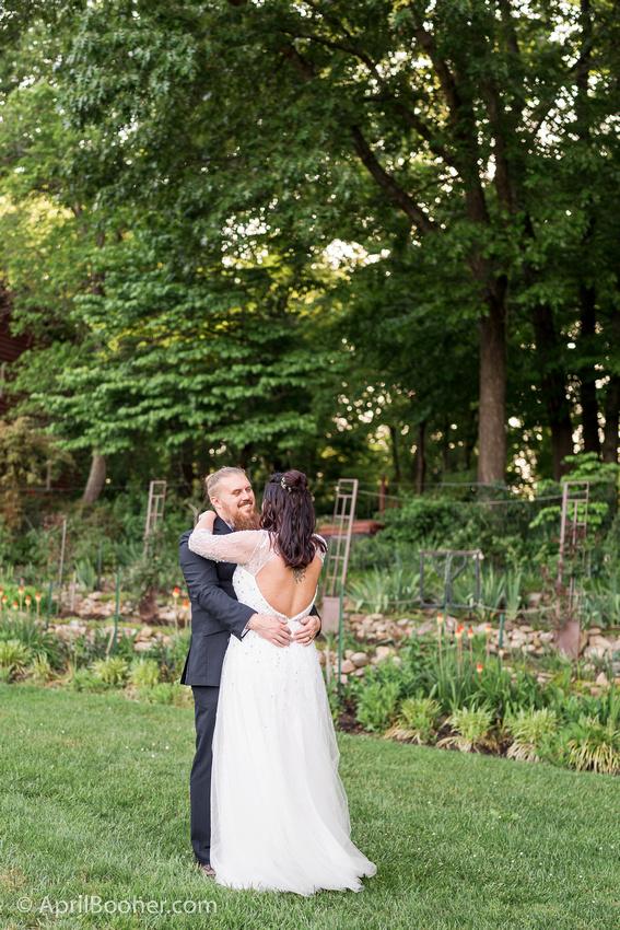 Wedding Photographer at Storybrook Farm Jonesborough TN-39