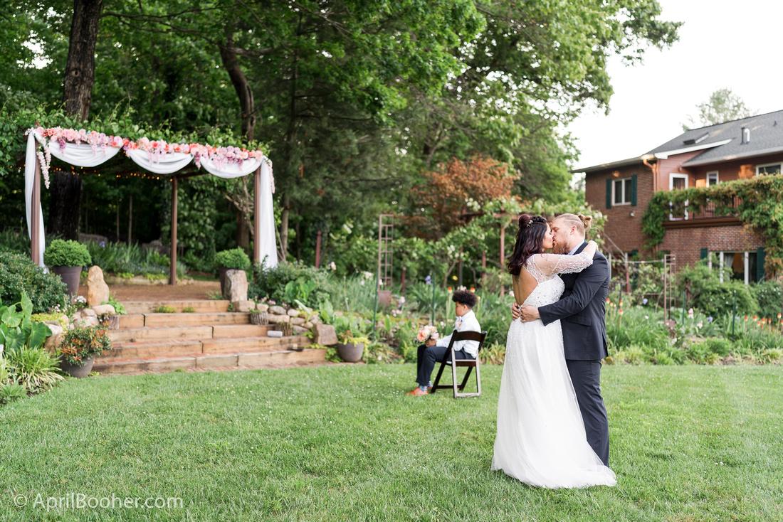Wedding Photographer at Storybrook Farm Jonesborough TN-40