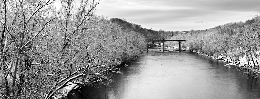 Holston River covered in Snow and Ice